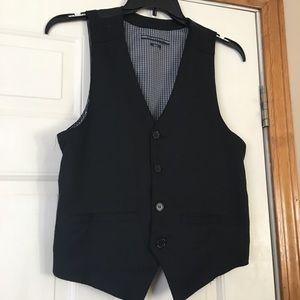 No Retreat Black Vest! Size small